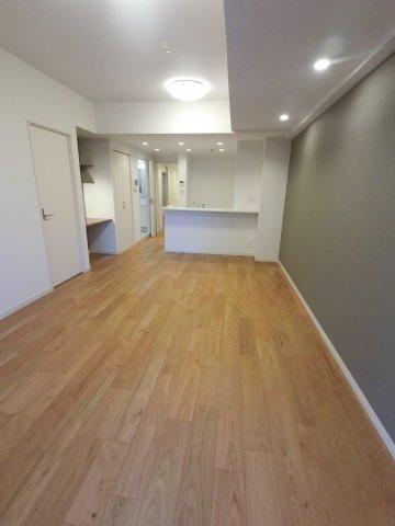 ダイニングテーブルやソファー、ローテーブルなどの家具もしっかりと配置できます。
