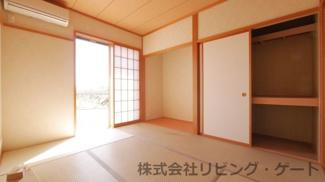 床の間あり・押入ありの日当たりの良い6帖和室