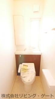 2階の温水洗浄便座付きトイレ