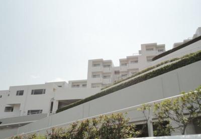 総戸数122戸、昭和61年1月築、管理人は常駐勤務につき管理体制良好です♪
