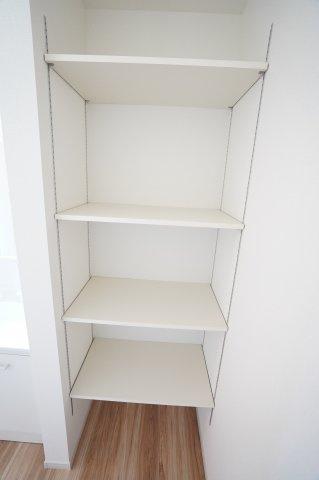脱衣場の収納スペースです 同仕様施工例