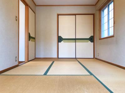 2階の約7.5帖の和室です♪リフォームでLDKに取り込んでしまうのも良いかもしれません♪