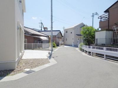 【前面道路含む現地写真】熊取町野田20-1期 2号棟 新築戸建