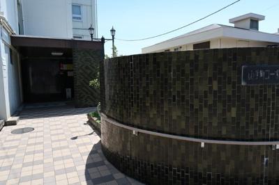 横濱の歴史を感じられるエントランス♪