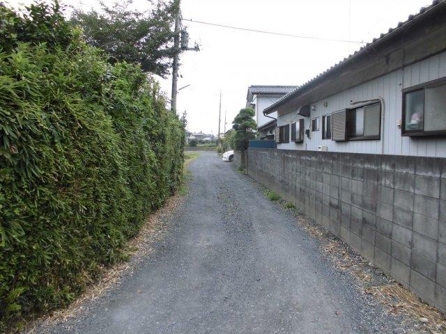【前面道路含む現地写真】渡里町土地