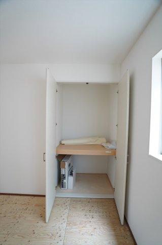 和室押入 開口部が広いのでムダなく利用できます。