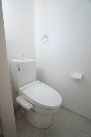 温水洗浄便座付。
