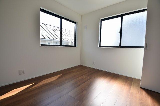 シンプルでモダンなデザインが特徴の各居室内!