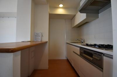 【キッチン】高級分譲賃貸マンション グランスィート南麻布