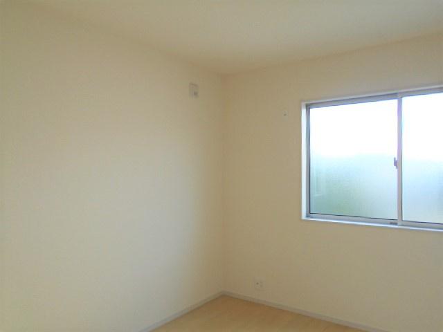 【同仕様施工例】リビング隣の和室なのでゆったり過ごせます。