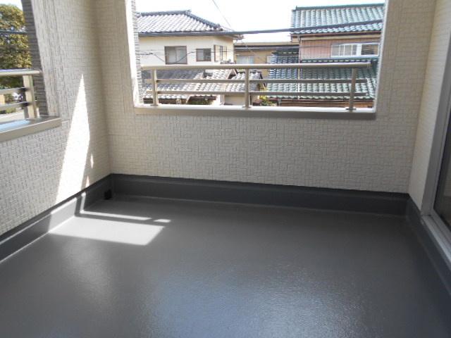 【同仕様施工例】1階トイレ 温水洗浄機能付きです。