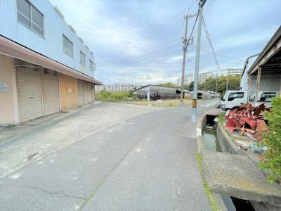 【前面道路含む現地写真】泉南市信達大苗代 売土地