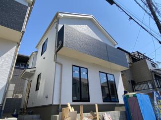 新京成線「高根公団」駅徒歩12分の全2棟の新築一戸建てです。