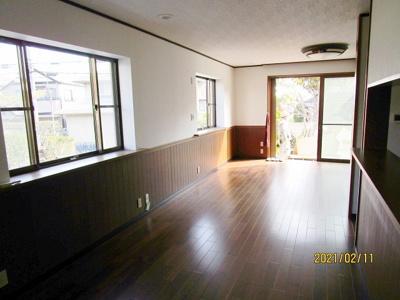【居間・リビング】神戸市垂水区神陵台8丁目  中古戸建
