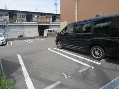【駐車場】メゾン・ロザージュ