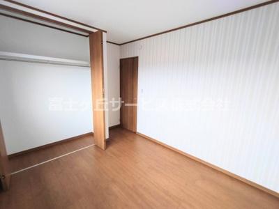 各洋室に収納があります