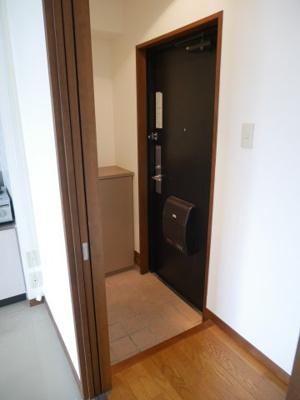 【玄関】グランメールナカダ