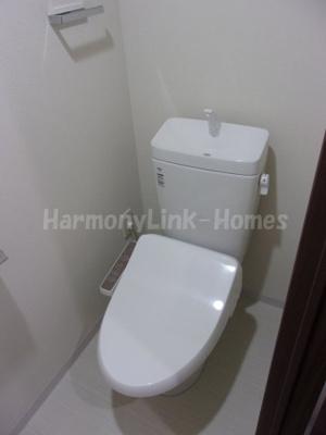 コンフォリア志村坂上の落ち着いた色調のトイレです☆