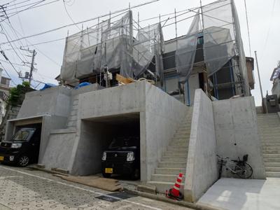 京急本線「井土ヶ谷 徒歩17分」新築戸建て3LDK  横浜やベイエリアにもアクセス良好 23帖以上の広いリビングで開放的にご家族とのお時間を過ごせます