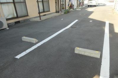 【駐車場】プチハウスD