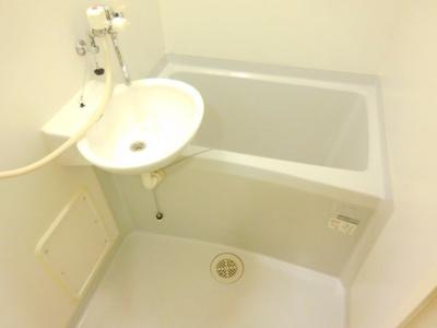 【浴室】レオパレス南平台2