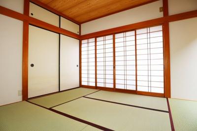 リフォーム済みの和室、落ち着いた空間はリモートワークにもピッタリ♪