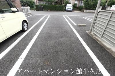 【駐車場】ヴィノ カミヤ