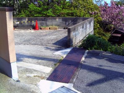 【前面道路含む現地写真】城が山2丁目売地
