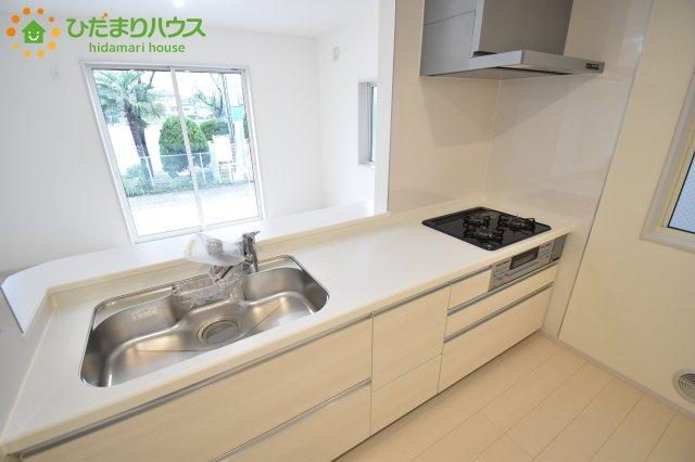 【キッチン】西区飯田 新築一戸建て リーブルガーデン 02