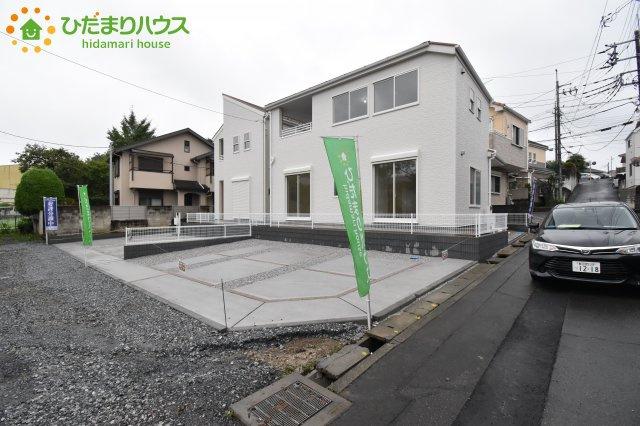 【前面道路含む現地写真】西区飯田 新築一戸建て リーブルガーデン 02