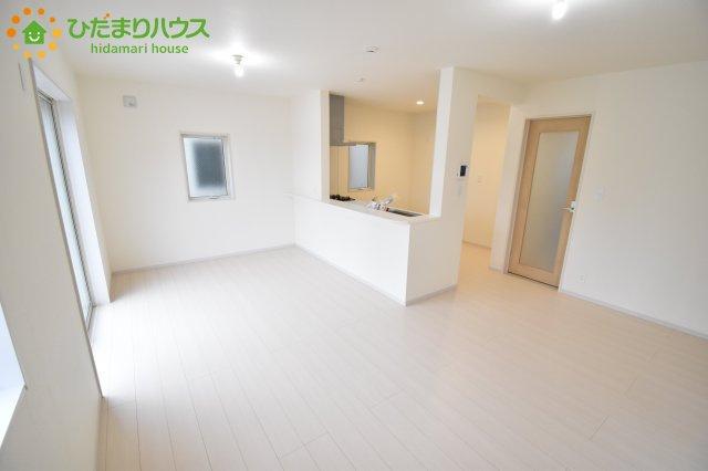 【居間・リビング】西区飯田 新築一戸建て リーブルガーデン 02