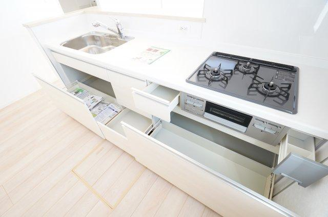 【同仕様施工例】広~いシンクなのでお鍋やフライパンもラクラク洗えます。
