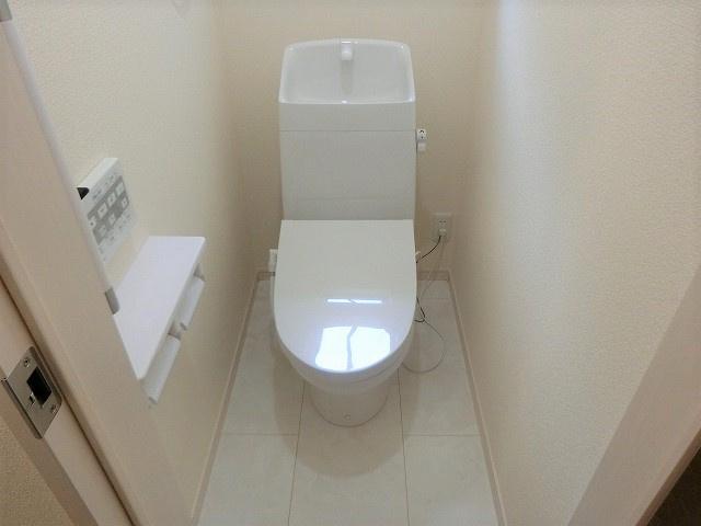 【現地写真】 ゆったりとした空間のトイレです♪