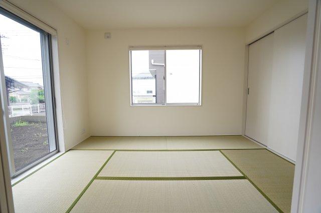 6畳 イグサの香が広がる心落ち着く空間です。