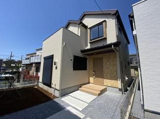 京成本線「鬼越」駅徒歩19分の全3棟の新築一戸建てです。