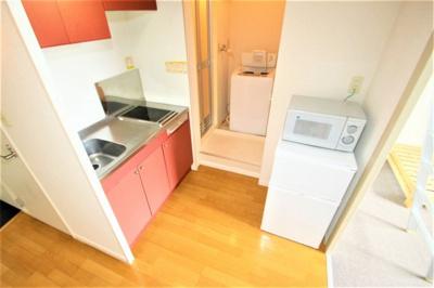 冷蔵庫、電子レンジ、洗濯機完備!すぐ生活できます!