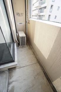 参考画像:別の部屋のものです。 外からの目が気にならないバルコニーで洗濯物が干せます