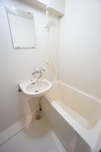 参考画像:別の部屋のものです。 落ち着いた空間のお風呂です