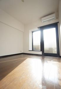 参考画像:別の部屋のものです。 個人の部屋や寝室として使える洋室です