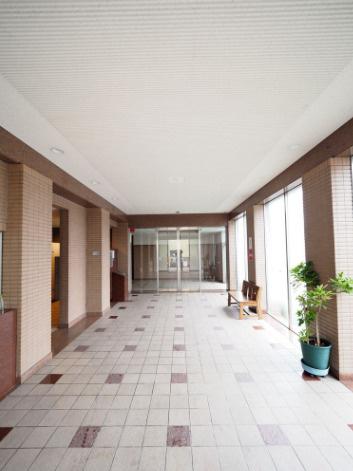 【エントランス】サーパス神田公園