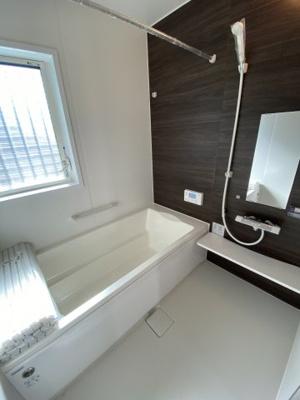 浴室暖房乾燥機付きの快適なユニットバス