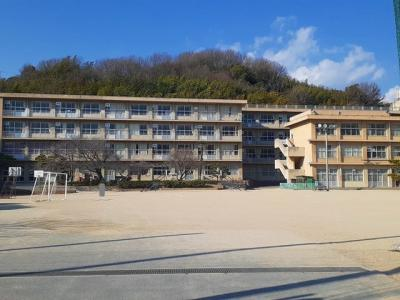 千田小学校まで1000m