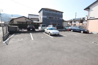 【駐車場】ジュネス新田A棟