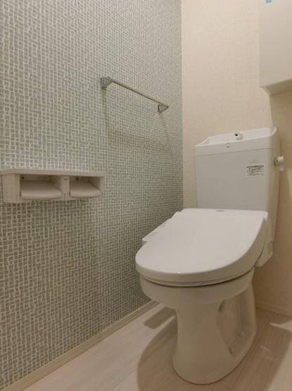 ※参考写真※洋室6.1帖のお部屋にあるワンステップクローゼットです!棚が2段+ハンガーラックでたっぷり収納出来ます☆