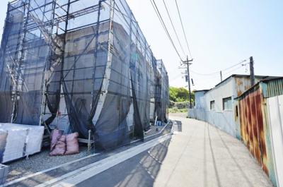 建物は2021年6月完成予定です