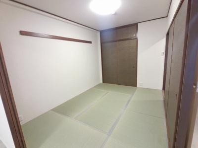 6.0帖の和室です。 引戸を開けると開放感あふれるスペースに。