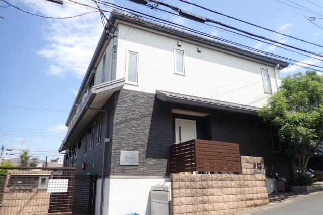 積水ハウス施工の賃貸住宅シャーメゾン♪小田急線「百合ヶ丘」駅より徒歩6分!ペットOK♪ワンちゃん・猫ちゃんと一緒に暮らせる2階建てアパートです☆