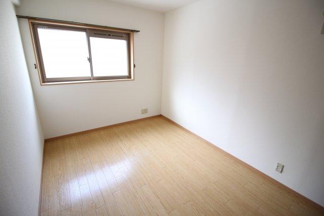 洋室6.2帖 明るいお部屋です