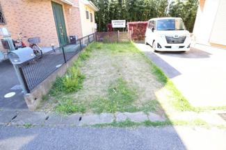八千代市八千代台西 土地 八千代台駅 南北に伸びた敷地は日当たりを確保しやすく、奥まっているため、プライベート感のあるお庭が作れそうです。