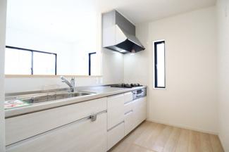 酒々井町東酒々井 新築戸建 酒々井駅 使い勝手の良い対面式のキッチンです。